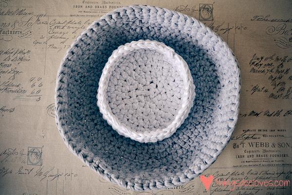 crochet t-shirt basket-1
